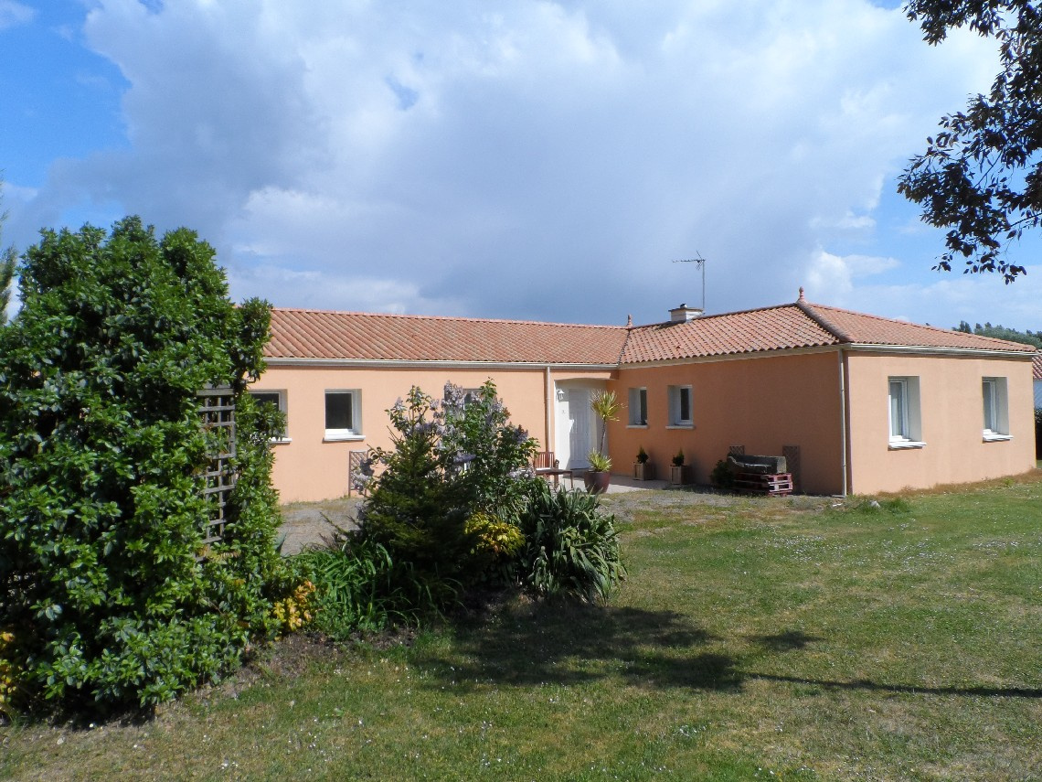 maison/villa la garnache MAISON D HABITATION
